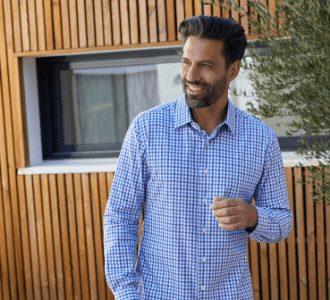 chemise à carreaux dans des teintes bleues